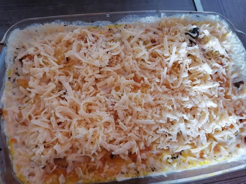 горбуша с овощами и сыром