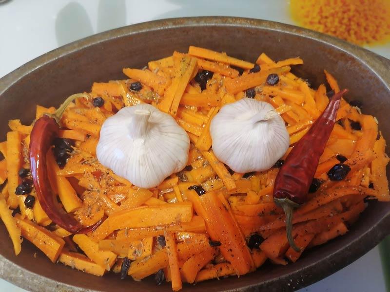 морковь и приправы