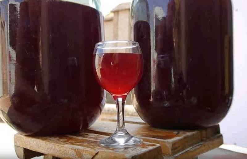 винный напиток из малиновых ягод