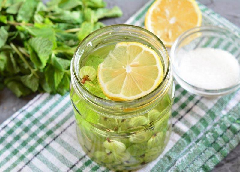крыжовниковая настойка с лимоном