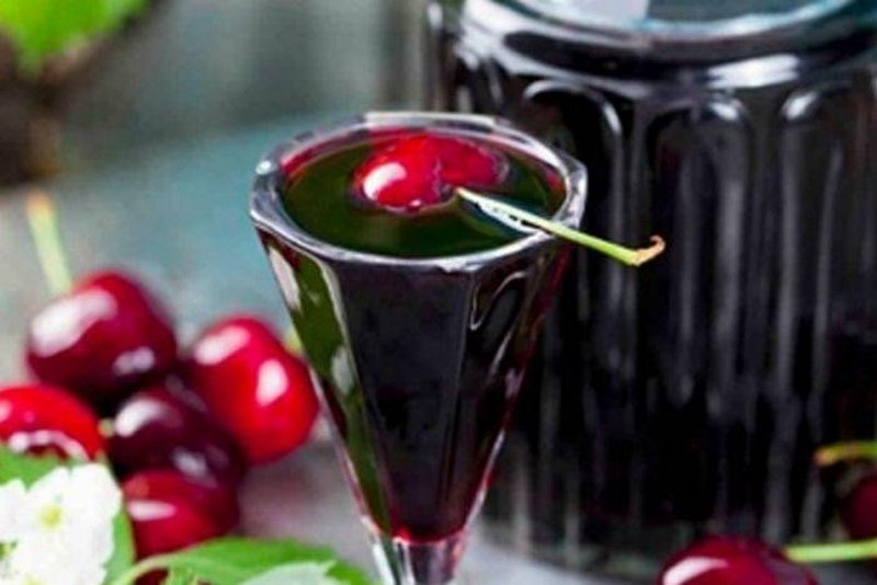 ратафия вишневая