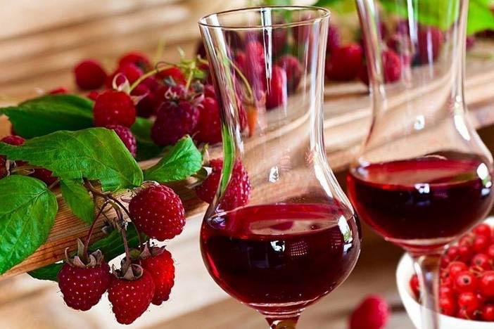 вино из малины и красной смородины