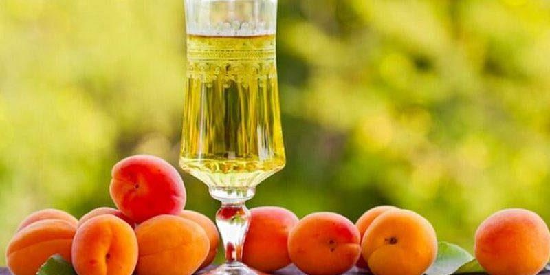 абрикосовое вино