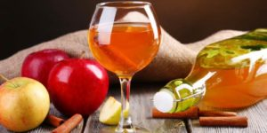 Настойка на яблоках в домашних условиях 🍏 — 18 пошаговых рецептов приготовления